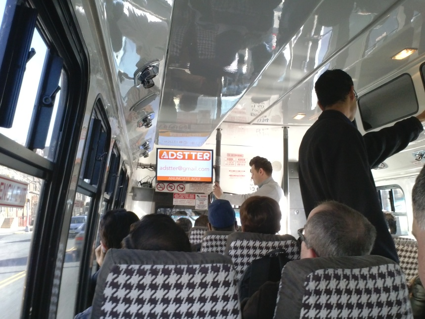 Interior de bus community line
