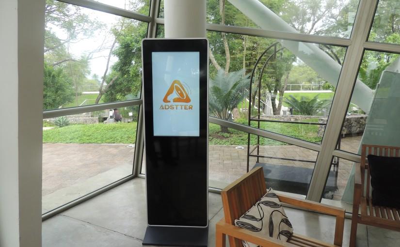 Pantalla en hotel Kawilal en AmatitlánGuatemala